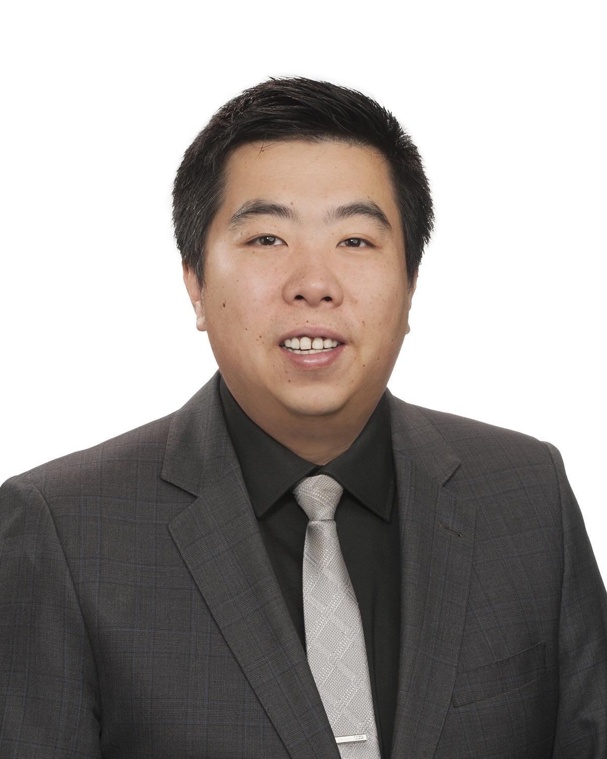 Travis Yun : Sales Manager