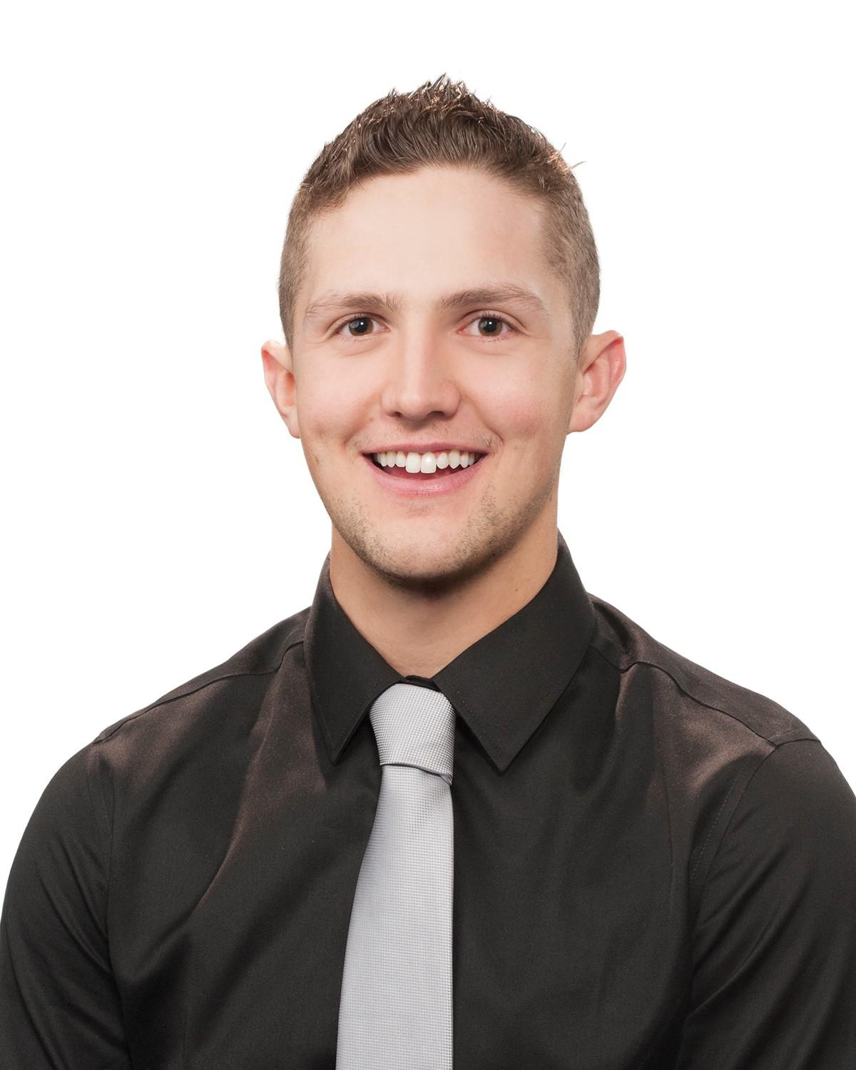 Ryan Yates : Sales and Leasing Consultant